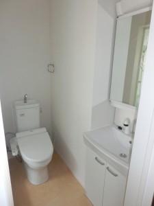 明るく広々したトイレ