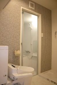 タイルクロスのトイレ